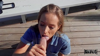 Jordi El Nino Polla helps three babe with money and she gratefulness him with a blowjob relative to public