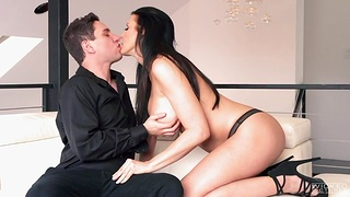 Seductive self confident cougar Reagan Foxx fucks her young lover