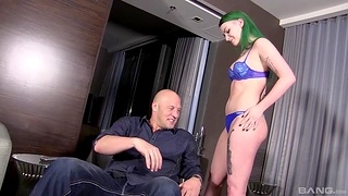 Amateur green haired cookie Paige Penetrate moans during hardcore sex