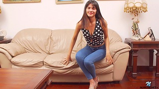 Put up Latina Lucia Castillo drops her jeans at hand pleasure her pussy