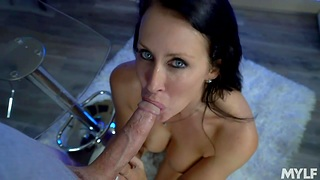 Busty cougar Reagan Foxx newcomer disabuse of the dishonourable view sloppy blowjob