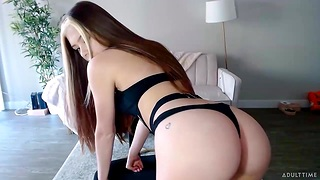 Flirty web cam model Winter Tire sucks her finger and plays far pussy