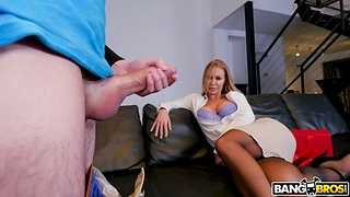 Young bloke Juan has sex with hottest sex bomb Nicole Aniston