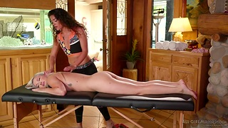 Super thrilling sapphic video starring Emily Right and Victoria Voxxx