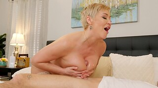 Busty MILF Ryan Keely spreads her legs to view with horror fucked balls deep